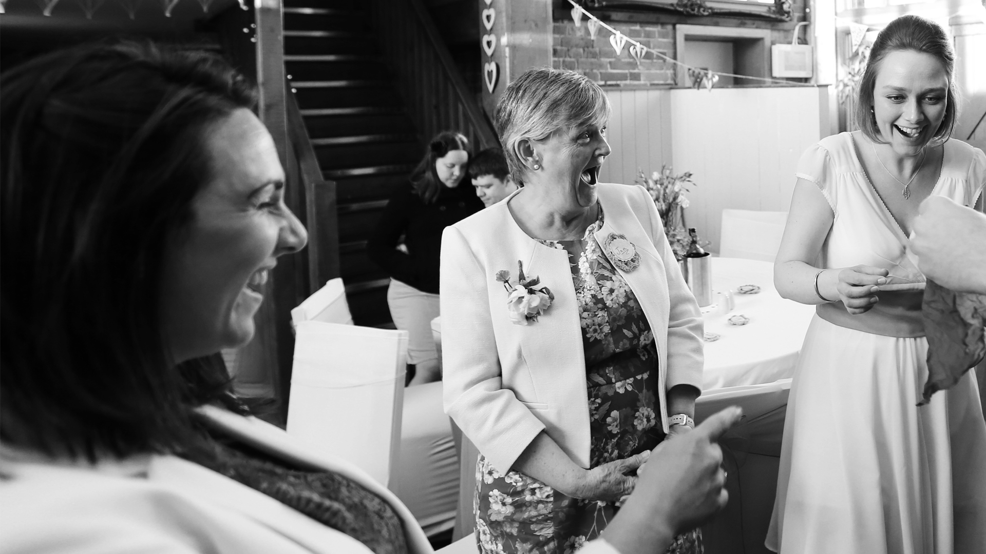 sam fitton manchester wedding magician south west london bournemouth jake moore photography reaction reportage